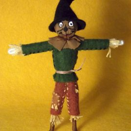 Scarecrow of Oz Felt Miniature